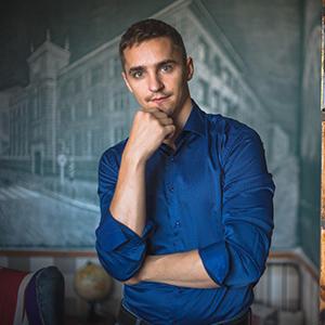 Илья Киндеров
