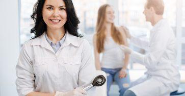 Кто такой врач дерматолог-венеролог и что он лечит?